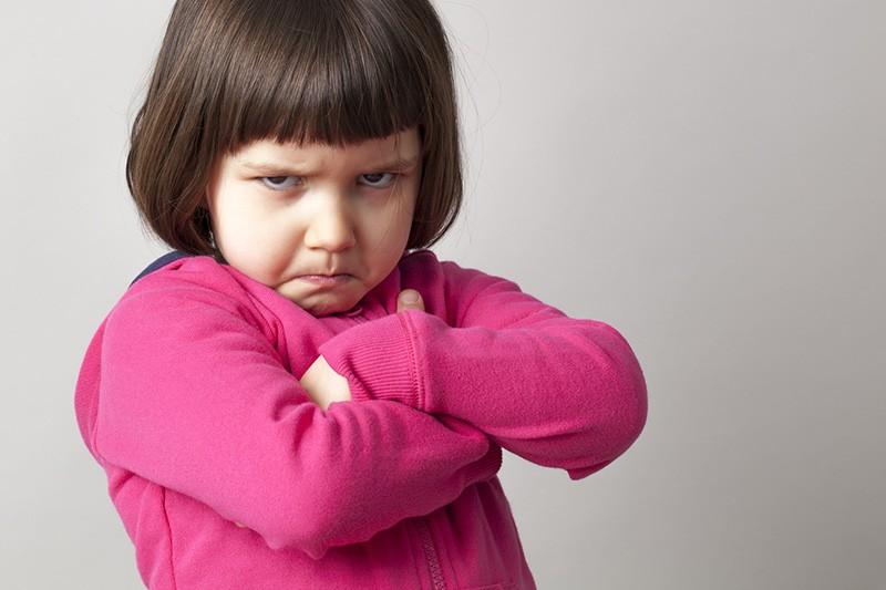 Criança que sofre negligência tem uma tendencia a se tornar ciumenta