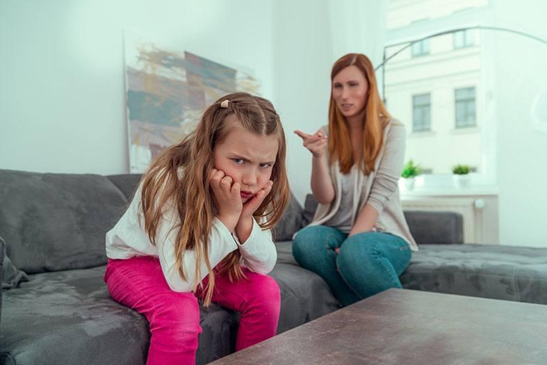 existe mãe que não ama a filha? mãe narcisista